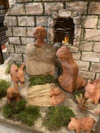 Die Heilige Familie an der Krippe, selbstgetöpfert von Frau Aulbach.